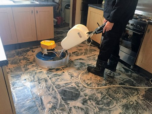 Cleaning a slate floor with a Klindex Rocky